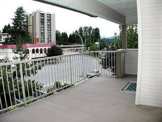 "Photo 12: 303 33478 ROBERTS Avenue in Abbotsford: Central Abbotsford Condo for sale in ""Aspen Creek"" : MLS®# F2715413"