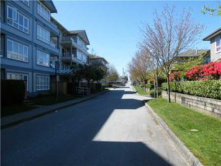 Photo 8: # 304 3480 YARDLEY AV in Vancouver: Collingwood VE Condo for sale (Vancouver East)  : MLS®# V825095