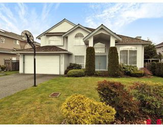 Photo 1: 9188 159TH Street in Surrey: Fleetwood Tynehead House for sale : MLS®# F2809415