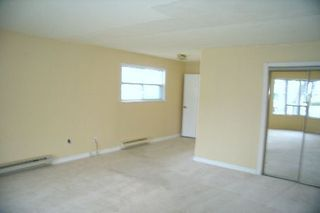 Photo 4: 61 Lake Avenue in Lagoon City: House (Bungalow) for sale (X17: ANTEN MILLS)  : MLS®# X1362533