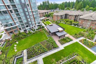 "Photo 17: 903 3096 WINDSOR Gate in Coquitlam: New Horizons Condo for sale in ""MANTYLA BY WINDSOR GATE"" : MLS®# R2388146"
