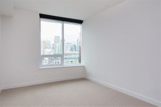 """Photo 8: 1720 68 SMITHE Street in Vancouver: Downtown VW Condo for sale in """"ONE PACIFIC"""" (Vancouver West)  : MLS®# R2401692"""