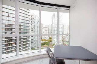 """Photo 7: 1720 68 SMITHE Street in Vancouver: Downtown VW Condo for sale in """"ONE PACIFIC"""" (Vancouver West)  : MLS®# R2401692"""