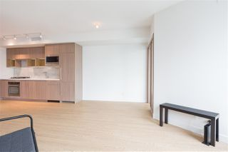 """Photo 3: 1720 68 SMITHE Street in Vancouver: Downtown VW Condo for sale in """"ONE PACIFIC"""" (Vancouver West)  : MLS®# R2401692"""
