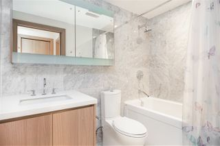 """Photo 9: 1720 68 SMITHE Street in Vancouver: Downtown VW Condo for sale in """"ONE PACIFIC"""" (Vancouver West)  : MLS®# R2401692"""
