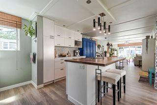 "Photo 9: 71 7850 KING GEORGE Boulevard in Surrey: Bear Creek Green Timbers Manufactured Home for sale in ""BEAR CREEK GLEN"" : MLS®# R2405203"