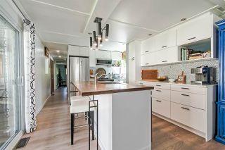 "Photo 8: 71 7850 KING GEORGE Boulevard in Surrey: Bear Creek Green Timbers Manufactured Home for sale in ""BEAR CREEK GLEN"" : MLS®# R2405203"