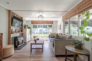 "Photo 6: 71 7850 KING GEORGE Boulevard in Surrey: Bear Creek Green Timbers Manufactured Home for sale in ""BEAR CREEK GLEN"" : MLS®# R2405203"