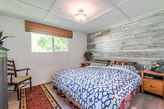 "Photo 14: 71 7850 KING GEORGE Boulevard in Surrey: Bear Creek Green Timbers Manufactured Home for sale in ""BEAR CREEK GLEN"" : MLS®# R2405203"