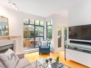 """Photo 5: 107 2688 VINE Street in Vancouver: Kitsilano Townhouse for sale in """"THE TREO"""" (Vancouver West)  : MLS®# R2406674"""