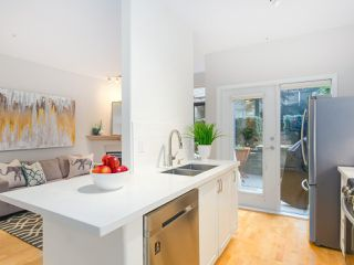 """Photo 9: 107 2688 VINE Street in Vancouver: Kitsilano Townhouse for sale in """"THE TREO"""" (Vancouver West)  : MLS®# R2406674"""