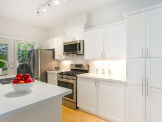 """Photo 8: 107 2688 VINE Street in Vancouver: Kitsilano Townhouse for sale in """"THE TREO"""" (Vancouver West)  : MLS®# R2406674"""