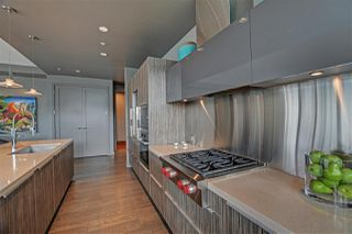 "Photo 9: 1102 181 ATHLETES Way in Vancouver: False Creek Condo for sale in ""CANADA HOUSE"" (Vancouver West)  : MLS®# R2414013"