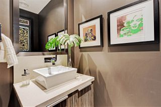 "Photo 18: 1102 181 ATHLETES Way in Vancouver: False Creek Condo for sale in ""CANADA HOUSE"" (Vancouver West)  : MLS®# R2414013"