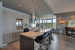 "Photo 7: 1102 181 ATHLETES Way in Vancouver: False Creek Condo for sale in ""CANADA HOUSE"" (Vancouver West)  : MLS®# R2414013"