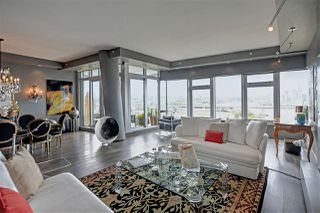 "Photo 3: 1102 181 ATHLETES Way in Vancouver: False Creek Condo for sale in ""CANADA HOUSE"" (Vancouver West)  : MLS®# R2414013"