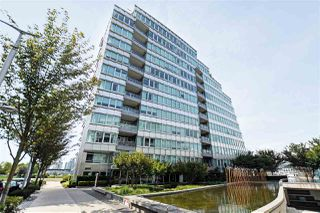 "Photo 2: 1102 181 ATHLETES Way in Vancouver: False Creek Condo for sale in ""CANADA HOUSE"" (Vancouver West)  : MLS®# R2414013"