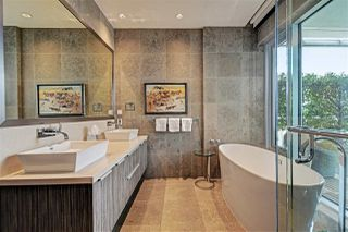 """Photo 12: 1102 181 ATHLETES Way in Vancouver: False Creek Condo for sale in """"CANADA HOUSE"""" (Vancouver West)  : MLS®# R2414013"""