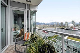 "Photo 16: 1102 181 ATHLETES Way in Vancouver: False Creek Condo for sale in ""CANADA HOUSE"" (Vancouver West)  : MLS®# R2414013"