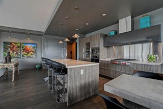 "Photo 8: 1102 181 ATHLETES Way in Vancouver: False Creek Condo for sale in ""CANADA HOUSE"" (Vancouver West)  : MLS®# R2414013"