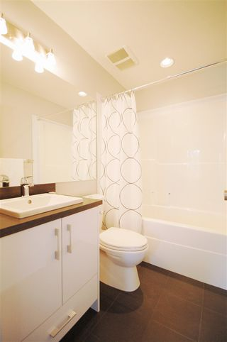 Photo 14: 9325 93 Street NW in Edmonton: Zone 18 House Triplex for sale : MLS®# E4202549
