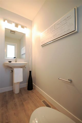 Photo 6: 9325 93 Street NW in Edmonton: Zone 18 House Triplex for sale : MLS®# E4202549