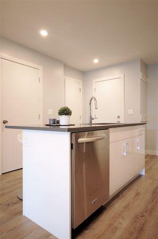 Photo 4: 9325 93 Street NW in Edmonton: Zone 18 House Triplex for sale : MLS®# E4202549