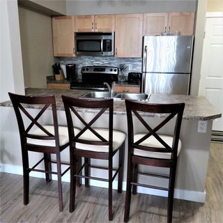 Photo 2: #103 920 156 Street NW in Edmonton: Zone 14 Condo for sale : MLS®# E4203802