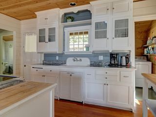 "Photo 17: 6129 SECHELT INLET Road in Sechelt: Sechelt District House for sale in ""SECHELT INLET OCEAN & MTN VIEWS"" (Sunshine Coast)  : MLS®# R2481200"