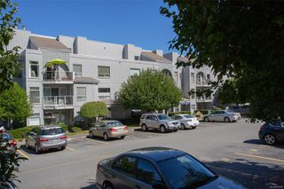 Photo 6: 508 2562 Departure Bay Rd in : Na Departure Bay Condo for sale (Nanaimo)  : MLS®# 858297