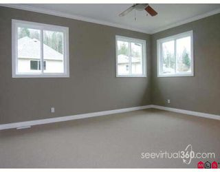 "Photo 5: 46219 KERMODE Crescent in Sardis: Promontory House for sale in ""BEAR CREEK"" : MLS®# H2702481"
