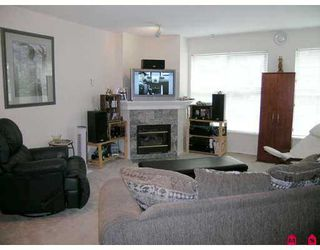 "Photo 2: 207 14885 100TH Avenue in Surrey: Guildford Condo for sale in ""Guildford"" (North Surrey)  : MLS®# F2716075"