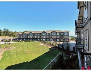 "Photo 9: A117 33755 7TH Avenue in Mission: Mission BC Condo for sale in ""THE MEWS"" : MLS®# F2723113"