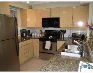 """Photo 1: 419 305 LONSDALE Avenue in North_Vancouver: Lower Lonsdale Condo for sale in """"The Met"""" (North Vancouver)  : MLS®# V689798"""