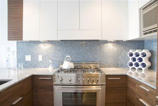 Photo 5: # 301 4375 West 10th Avenue in Vancouver: Point Grey Condo for sale (Vancouver West)