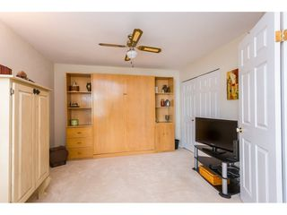 """Photo 15: 45 19649 53 Avenue in Langley: Langley City Townhouse for sale in """"Huntsfield Green"""" : MLS®# R2394879"""