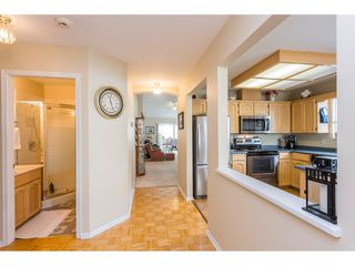 """Photo 7: 45 19649 53 Avenue in Langley: Langley City Townhouse for sale in """"Huntsfield Green"""" : MLS®# R2394879"""