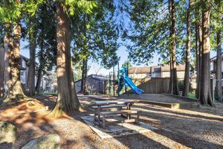 """Photo 17: 471 LEHMAN Place in Port Moody: North Shore Pt Moody Townhouse for sale in """"EAGLE POINT"""" : MLS®# R2422434"""