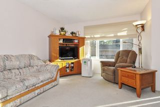 """Photo 2: 471 LEHMAN Place in Port Moody: North Shore Pt Moody Townhouse for sale in """"EAGLE POINT"""" : MLS®# R2422434"""