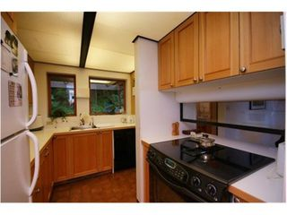 Photo 15: 170 SUNSET Drive in West Vancouver: Home for sale : MLS®# V1024969