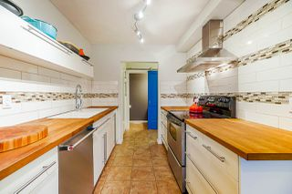 """Main Photo: 1128 PREMIER Street in North Vancouver: Lynnmour Townhouse for sale in """"Lynnmour Village"""" : MLS®# R2430524"""