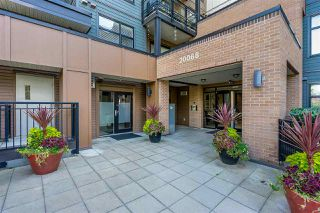 "Photo 3: 316 20068 FRASER Highway in Langley: Langley City Condo for sale in ""Varsity"" : MLS®# R2473178"