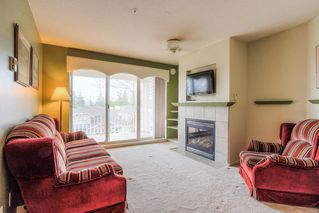 Photo 3: 405 22022 49 AVENUE in Langley: Murrayville Condo for sale : MLS®# R2449984
