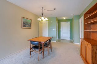 Photo 7: 405 22022 49 AVENUE in Langley: Murrayville Condo for sale : MLS®# R2449984