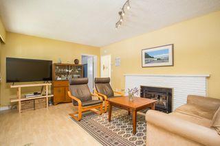 "Photo 4: 2831 GORDON Avenue in Surrey: Crescent Bch Ocean Pk. House for sale in ""Crescent Beach"" (South Surrey White Rock)  : MLS®# R2476389"