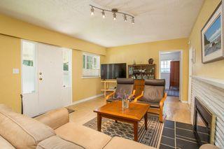 "Photo 7: 2831 GORDON Avenue in Surrey: Crescent Bch Ocean Pk. House for sale in ""Crescent Beach"" (South Surrey White Rock)  : MLS®# R2476389"