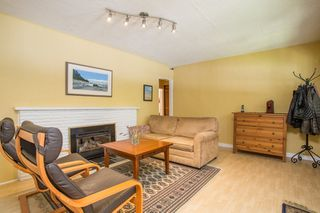"Photo 5: 2831 GORDON Avenue in Surrey: Crescent Bch Ocean Pk. House for sale in ""Crescent Beach"" (South Surrey White Rock)  : MLS®# R2476389"