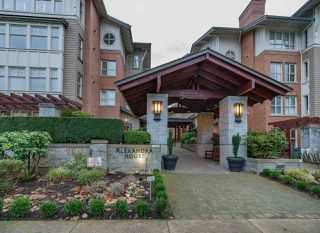 """Photo 1: 2409 4625 VALLEY Drive in Vancouver: Quilchena Condo for sale in """"ALEXANDER HOUSE"""" (Vancouver West)  : MLS®# R2478418"""