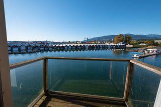 "Photo 4: CBH89 415 W ESPLANADE Way in North Vancouver: Lower Lonsdale House for sale in ""MOSQUITO CREEK MARINA"" : MLS®# R2504912"