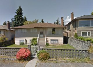 "Photo 2: 628 E 1ST Street in North Vancouver: Lower Lonsdale House for sale in ""Lower Lonsdale"" : MLS®# R2505250"